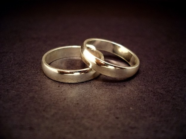 blog - romance - wedding rings