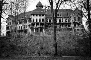 blog - supernatural - haunted house