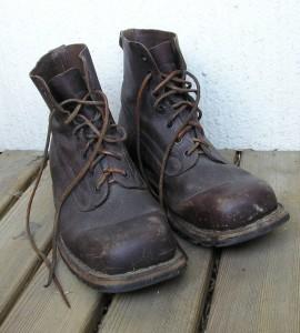 blog - synecdoche - Army-boots