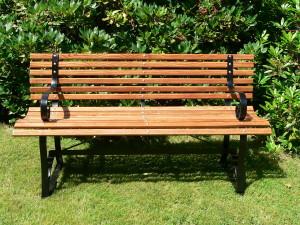 blog - synecdoche - Garden_bench