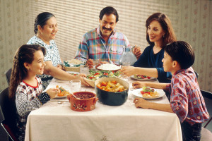 blog - food - Family_eating_meal