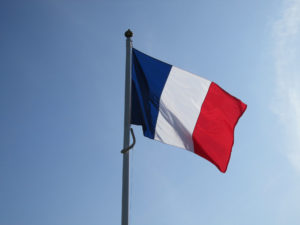 blog - French - Flag on pole